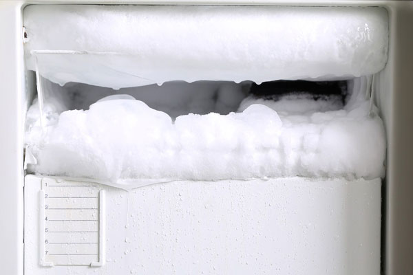 علت برفک زدن یخچال و راه حل رفع آن